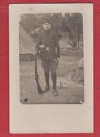 Carte Photo Soldat Avec Ses Armes Du Rgt  ? - Militaria