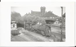Photos -Thème Chemin De Fer - Locomotive  - Lieu à Identifier - Trains