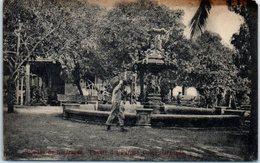 Amérique - Saludes NICARAGUA - Colon Granada - Fuente Del Parfoué Colon Granada - Nicaragua