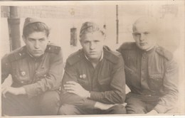 UKRAINE. #1475 A PHOTO. SOVIET ARMY. SOLDIERS. MILITARY. *** - Film Projectors