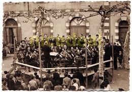 Ancienne Photo N&b Tirage Gevaert Ridax 14x9 Musique Concert Orchestre Kiosque Harmonie Aubade Bouzigon Gers Nogaro 1930 - Photos