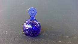 Miniature Parfum Worth, Petit Flacon Rond Bleu Nuit étoilé - Vintage Miniatures (until 1960)