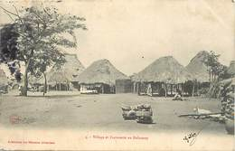 Pays Div-ref R769- Dahomey -collection Des Missions Africaines - Misson -religion -christianisme - Une Factorerie - - Dahomey