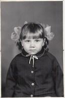 UKRAINE. #1506 A PHOTO. CHILDREN. GIRL WITH BATTIES. *** - Proyectores De Cine