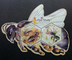 Malaysia Honey Bees 2019 Insect Bee Flower Fauna Flowers (ms) MNH *odd Shape *unusual - Malasia (1964-...)