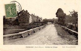 Pressigny Entree Du Village - Frankreich
