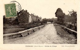 Pressigny Entree Du Village - Autres Communes