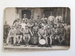 Foto Soldaten Soldats Francaise Uniform Regiment 98 Honneur Aux Anciens 217 - Guerre 1914-18