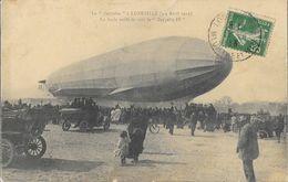 Le Dirigeable Zeppelin à Lunéville (3-4 Avril 1913) - La Foule Avide De Voir Le Zeppelin IV, Vieux Tacots - Dirigeables