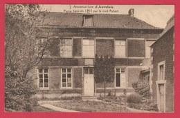Auvelais - Ancienne Cure, Bâtie En 1722 Par Le Curé Poliart ( Voir Verso ) - Sambreville