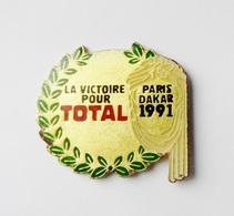 Pin's Paris Dakar 1991 La Victoire Pour TOTAL  - 46R - Automobile - F1