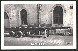 Fotografie Lastwagen-Anhänger Trailor Vor Der Fabrik In Luneville - Automobile