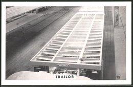 Fotografie Lastwagen-Anhänger Trailor, Gliederzug-Anhänger In Der Fabrik Zu Luneville - Automobile