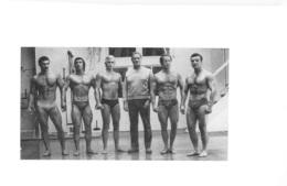 HOMME EN MAILLOT DE BAIN CULTURISME CULTURISTE  15X9.5CM - Reproductions