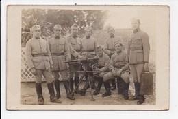 CARTE PHOTO MILITARIA Groupe De Militaires Avec Mitrailleuse (Tarascon Janvier 1924) - Personnages
