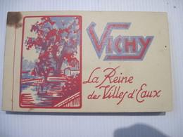 CPA 03 VICHY ALBUM  20 Cartes Postales La Reine Des Villes D'eaux TBE Tache En Haut A Gauche - Vichy