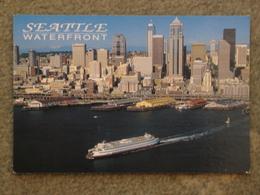 WASHINGTON STATE FERRY LEAVING SEATTLE - Ferries