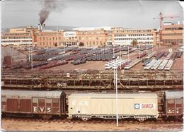 POISSY (78) USINES SIMCA -  TRAINS, WAGONS PORTEURS    Photo Originale  MAI 1969 PORAS / COMBIER CIM Imp Macon - Automobiles