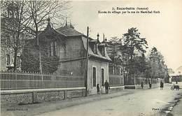 80 ESCARBOTIN - ENTREE DU VILLAGE PAR LA RUE DU MARECHAL FOCH - France
