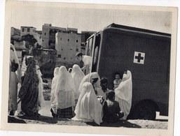 ALGERIE  CES FEMMES MUSULMANES SAVENT QU ELLES TROUVERONS AUPRES DES INFIRMIERES DE LA CRO  CARTE DE FRANCHISE MILITAIRE - Postmark Collection (Covers)