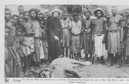 Congo.    Katende(Haut-Kasaî) Lion Tué Par Le Père Van Merris Après Une Chasse Dangereuse.   Scan - Congo Belge - Autres