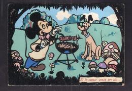 CPSM FANTAISIE - TB CP Walt DISNEY En FEUTRINE Avec MICKEY Et PLUTO Faisant Un Barbe-Cue - Disney