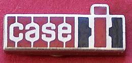 JJ...413..ENGINS DE CHANTIER/TRAVAUX PUBLIC/ELEVATEURS/TRACTEURS.....CASE - Pin's