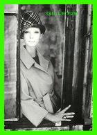 PHOTOGRAPHE - JEANLOUP SIEFF - PHOTO DE MODE, PARIS 1960 - ÉDITIONS DU DÉSASTRE - - Autres Photographes