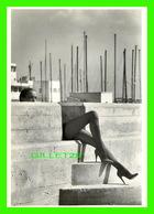 PHOTOGRAPHE - TON LOOMAN - MIEKE IN 1980 - ART UNLIMITED - - Autres Photographes