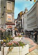 25 - MONTBELIARD ( Commerces ) La Rue Piétonne ( Prisunic Tabac La Carterie ) CPM Grand Format - Doubs - Montbéliard