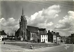 - Gds Formats -ref-Z55- Finistère - Guerlesquin - Eglise Paroissiale Et Place - Carte Bon Etat - - Guerlesquin