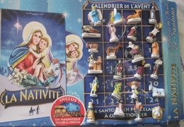 Fève - Nativité - Calendrier De L' Avent 24 Santons De Crèche + Décor + DVD - Santons