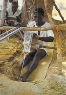 Afrique > Niger ? TISSERAND Au TRAVAIL   (Editions   Photo Studio KAP Niamey Niger 74/1041 )*PRIX  FIXE - Niger