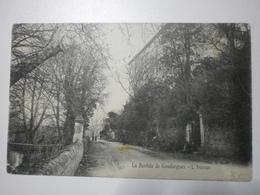 30 La Bastide De Goudargues, L'avenue (A8p17) - Frankreich