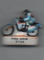 Fève  Paris Dakar En Moto No 17 Dessous - Sport