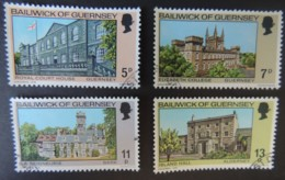 GUERNSEY 1976 CHRISTMAS BUILDINGS SET OF 4 VFU ROYAL COURT HOUSE ELIZABETH COLLEGE ISLAND HALL LA SEIGNEURIE - Guernsey