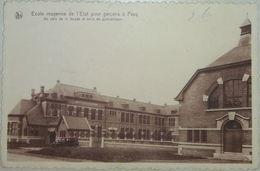 Pecq (Tournai) Ecole Moyenne De L'Etat Pour Garçons Avec Automobile - Pecq