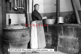 """Pontarlier - Madame OUDET à La """"Cuisine Populaire"""" En 1905. Retirage D'une Photo à Partir D'une Plaque De Verre - Pontarlier"""