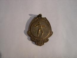 A VOIR !! BALLE PELOTE - MEDAILLE CHAMPION 1948 - EQUIPE DE SAINT VAAST CITE ( LA LOUVIERE ) - Belgique