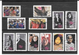 FRANCE  2010  CONTRE LES VIOLENCES FAITES AUX FEMMES  SERIE COMPLETE DE 12 TIMBRES AUTOADHESIFS OBLITERES. - France