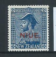 Niue 1927 Overprint On 2/- New Zealand Admiral Mint - Niue