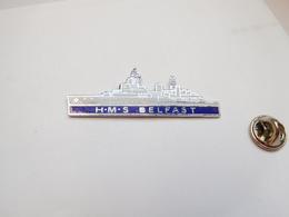 Superbe Pin's En EGF , Marine Bateau , HMS Belfast , Croiseur Léger De La Royal Navy - Barcos
