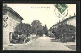 CPA Villieu, Grande Rue, Vue De La Rue - Non Classés