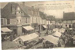 FISMES . Place De L'Hôtel De Ville . Le Marché 134 - Fismes