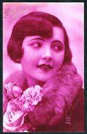 FEMME - CP - Jeune Femme Avec Col De Fourrure Et Fleurs - Circulé - Circulated - Gelaufen - 1929. - Femmes