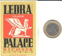 ETIQUETA DE HOTEL  - LEDRA PALACE  -NICOSIA  -CHIPRE - Hotel Labels