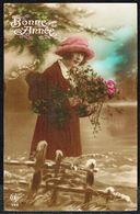 FEMME - CP - Jeune Femme Avec Chapeau Et Fleurs - Circulé - Circulated - Gelaufen - 1923. - Femmes