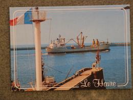 CARGO LINES VESSEL AT LE HAVRE - Cargos