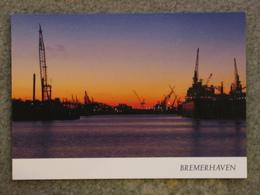 BREMERHAVEN AT NIGHT - Cargos