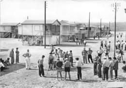 11-GRUISSAN- PARTIE DE PETANQUE DEVANT LES CHÂLETS SUR PILOTIS - Autres Communes